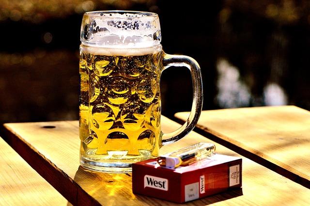 cigarety a pivo
